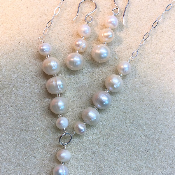 Graduated Round Fresh Water Pearl Set